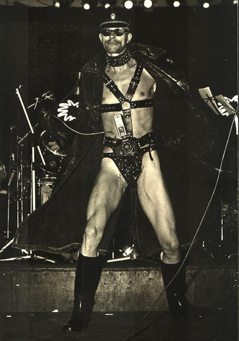 Flashing Freddy op het podium van Paradiso Beeld Herman Boogaerdt