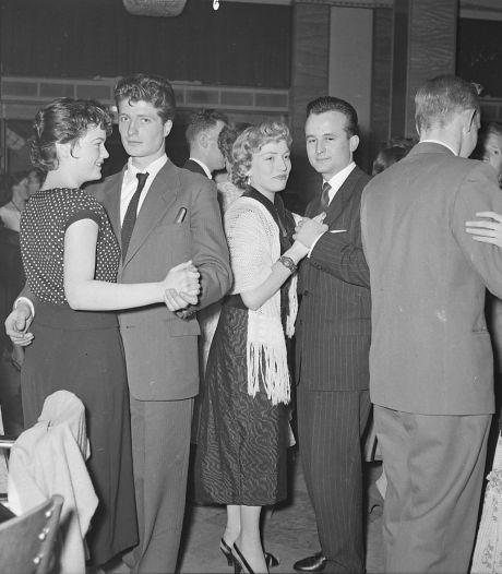 Wie danste er met wie op het MTS-bal in 1956?