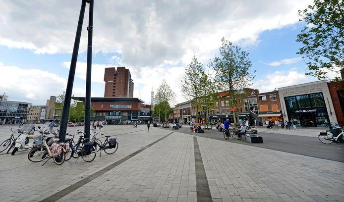 Overzichtsplaat van het plein vanaf de kant van de Blokker naast de Klanderij richting Primark. Indien mogelijk nieuwe Hofpassage rechts en oude V & D links en Primark op de foto.