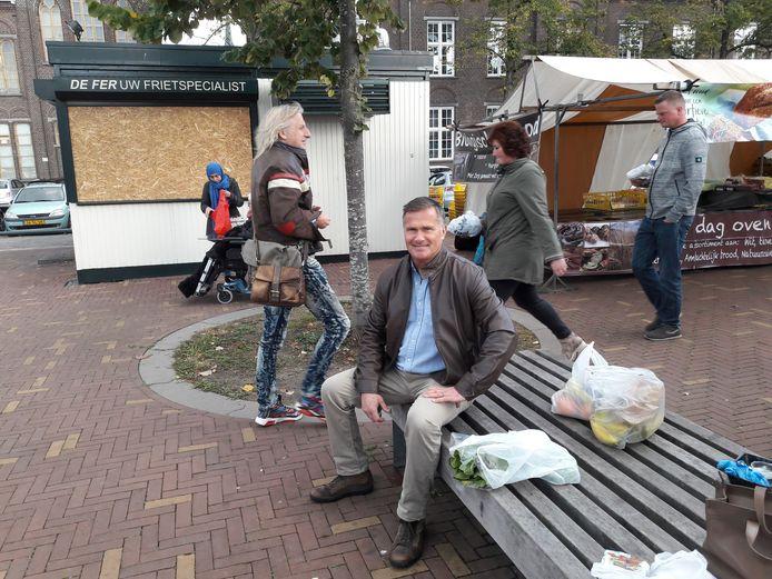 Ron van Baal woont zelf in Breda-Noord, maar als hij zijn zus wekelijks bezoekt dan is een bezoekje aan De Fer vaste prik.