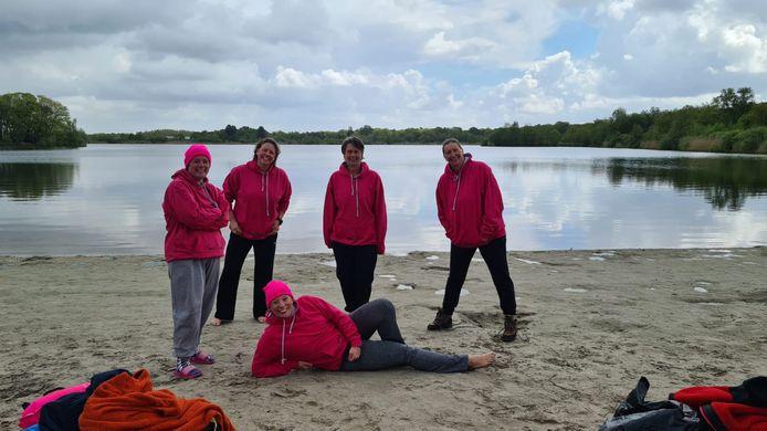 Team Pink Ladies bij een training in Nederland.