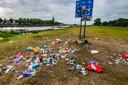 De puinhoop langs de IJssel.