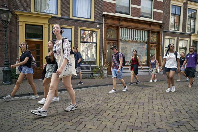 Studenten op 1,5 meter in Leiden.