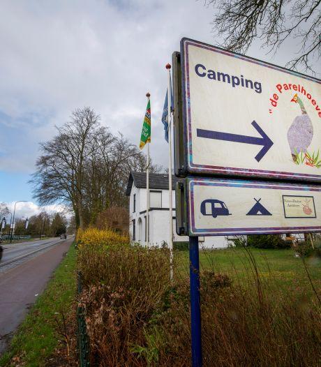 Camping De Parelhoeve in Wenum-Wiesel blijft deze zomer dicht vanwege conflict over luxe stacaravans