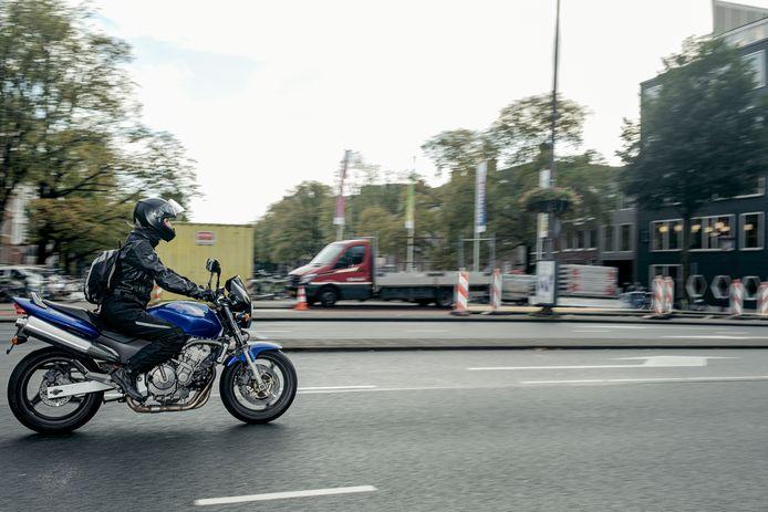 De stad wil optreden tegen verkeer dat te veel lawaai maakt. Niet alle motorrijders in de stad zorgen overigens voor overlast.