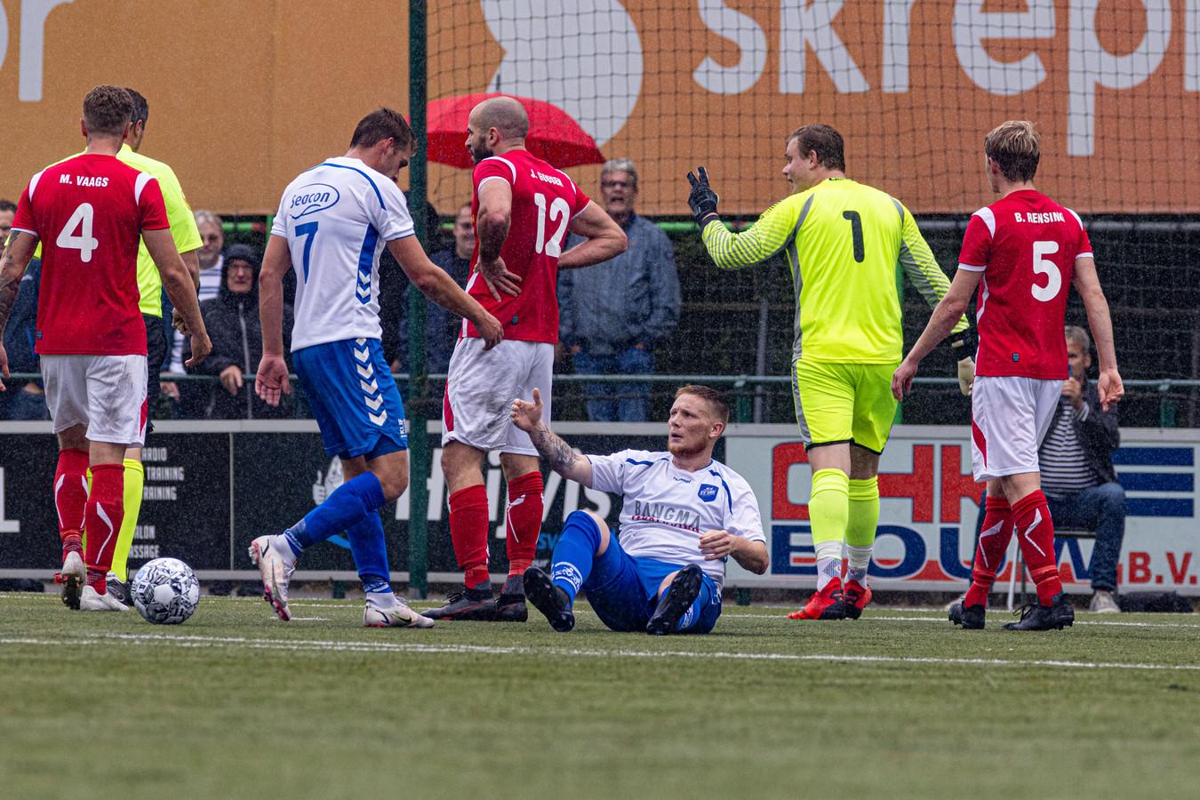 AZSV verloor op Urk met 2-0. Foto Freddy Schinkel