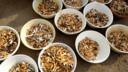 In Ekkergem werd een beschamend grote hoop sigarettenpeuken opgeruimd.