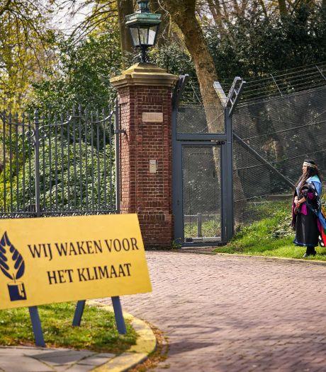 Constant protest voor Catshuis: 'Wij waken voor het klimaat'