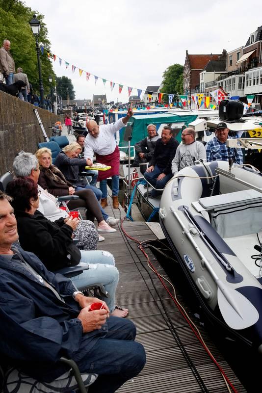De sfeer onder de schippers zat er zaterdag goed in. De Open Havendag trok meer dan 15.000 bezoekers.