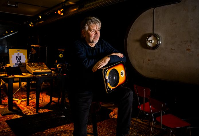 Rotterdammer Dick Pakkert vertelt over de band die hij nog steeds met Hengelo heeft. - Hij komt er vandaan en heeft nu een eigen muziekbar in Rotterdam aan de Binnenweg.