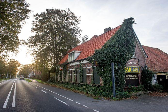 Bar 't Oude Haasje, de oudste seksclub van Twente, langs de N18 tussen Haaksbergen en Enschede.