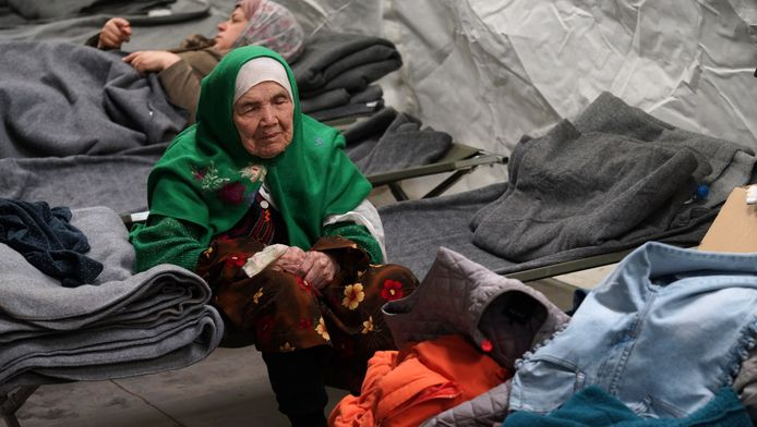 De toen nog 105-jarige Bibihal Uzbeki in een vluchtelingenkamp in Kroatië in 2015.
