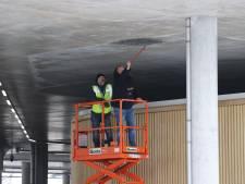 Stuk betonplaat komt naar beneden in parkeergarage Eindhoven Airport: gevolg van vorst