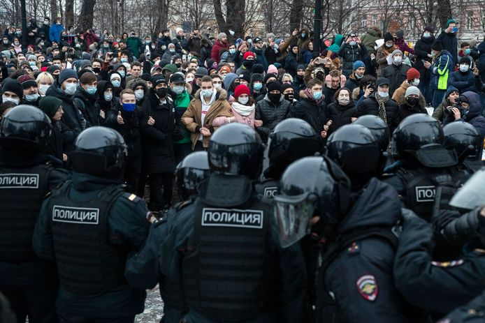 Protest afgelopen zaterdag in Sint-Petersburg tegen de gevangenneming van oppositieleider Navalny.