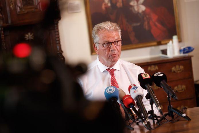 Burgemeester Frank Petter.