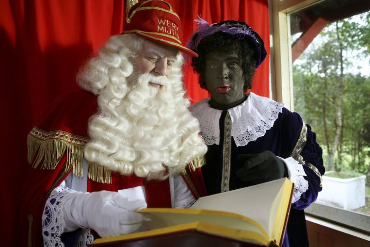 Hoofdpiet met Sinterklaas Beeld anp