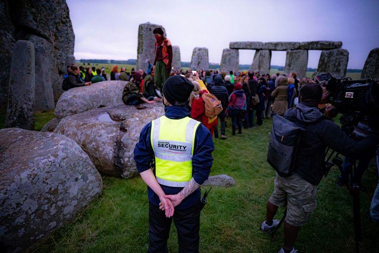 Bezoekers bij Stonehenge tijdens de zonnewende in juni. Beeld AP