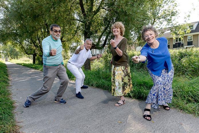 Theo Nuijten (bijna 70), Edu Fisscher (65),  Viviëne Brevé (72) en Henriëtte Bots (70)