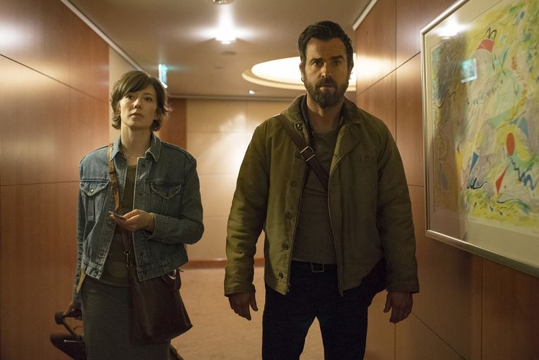 Carrie Coon en Justin Theroux in The Leftovers Beeld HBO