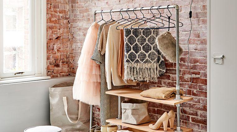 Doe het lekker zelf: maak dit multifunctionele kledingrek voor al je modemoois