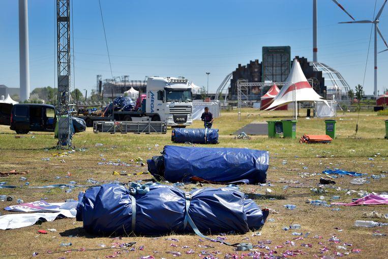 Het lege festivalterrein van 'Vestiville' in Lommel.  Beeld BELGA
