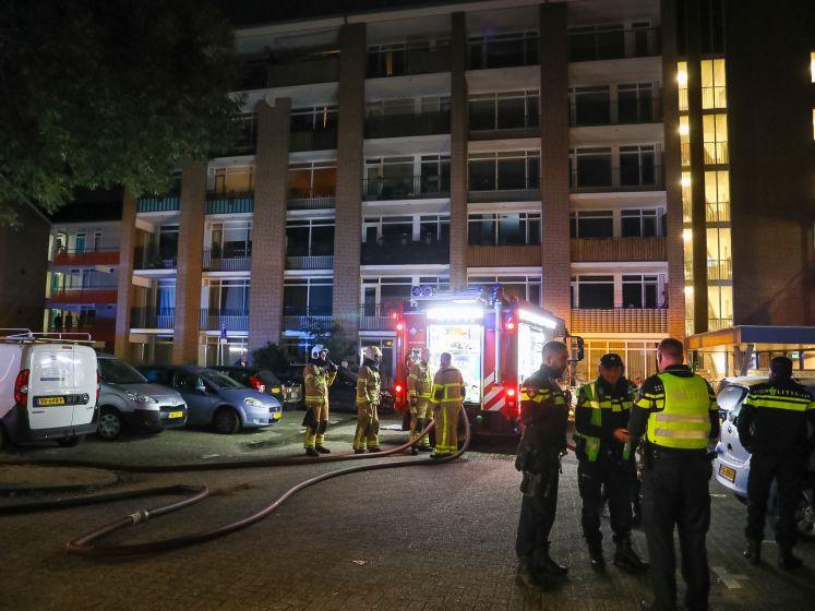 Gezin ontsnapt aan brand in appartement in Apeldoorn