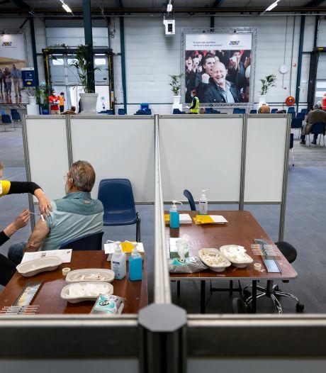 Enkel nog om de dag vaccineren in Helmond en Eindhoven, testen in Zuidoost-Brabant voortaan zonder afspraak