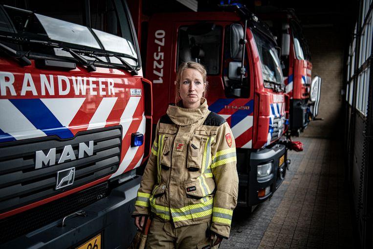 Karin Witteveen is vrijwilliger bij de brandweer. Beeld Koen Verheijden
