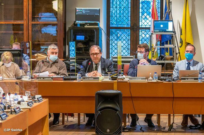 Archiefbeeld van de gemeenteraad in Aalst. Vandaag gaat het om een digitale vergadering.