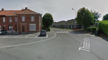 Jongeman na ontvoering moeder geraakt door politiekogel in Tourcoing