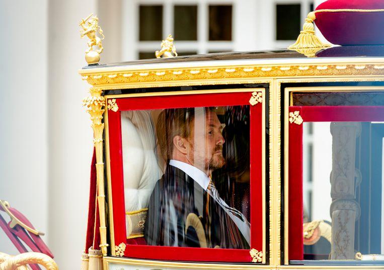 Koning Willem-Alexander op weg naar de Ridderzaal. Beeld ANP