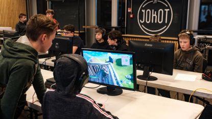 """Tieners bekampen elkaar in Fortnitetornooi: """"Ik speel elke dag minstens drie uur"""""""