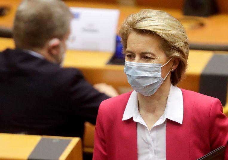 EU-Commissievoorzitter Ursula von der Leyen ziet scherp in dat deze uitzonderlijke crisis hét moment is om de EU over haar eigen schaduw te laten springen. Beeld EPA