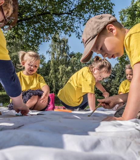 Met genoeg vrijwilligers kunnen ook de kleuters weer meedoen met de vakantieweek in Beek