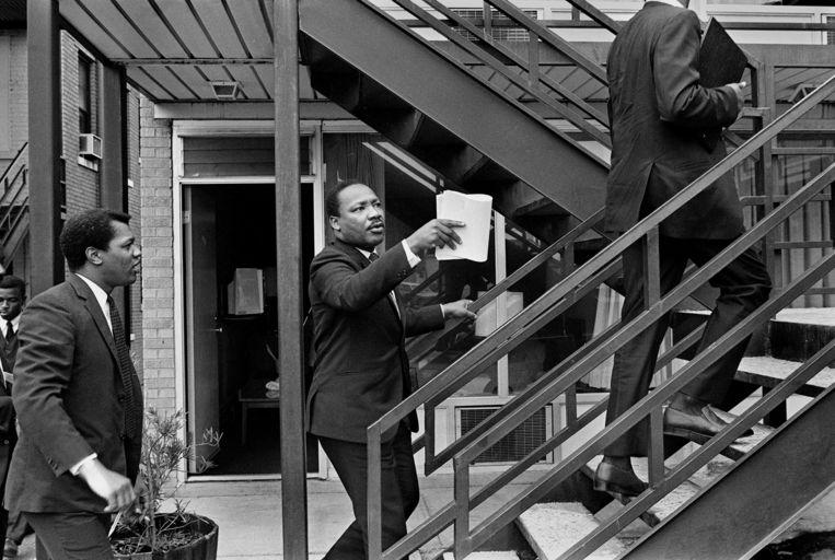 Woensdag is het precies 50 jaar geleden dat Martin Luther King Jr. werd doodgeschoten. Deze foto werd de dag voor zijn dood gemaakt, in het motel Lorraine, waar hij werd doodgeschoten. Beeld AP