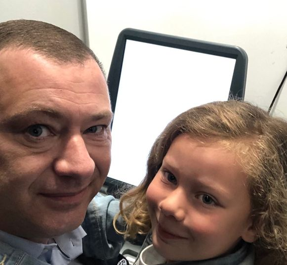 Peter Reekmans nam zijn dochter mee in het stemhokje