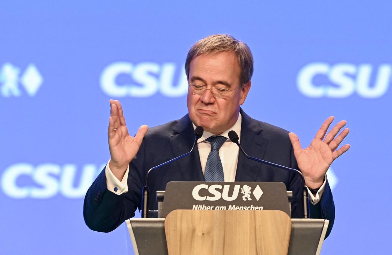 De christendemocratische kandidaat-bondskanselier Armin Laschet tijdens een CSU-bijeenkomst in Nuremberg. De CDU/CSU doet het niet goed in de peilingen.  Beeld AFP