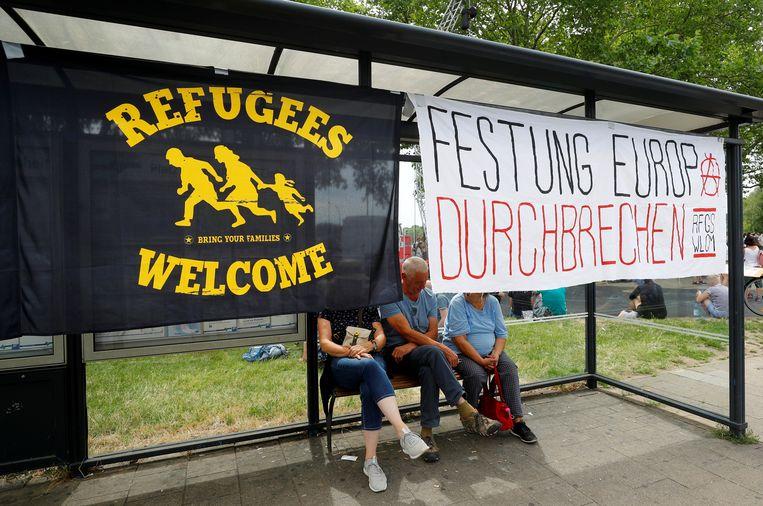 In Kassel werd gedemonstreerd tegen de extreemrechtse groep Die Rechte.  Beeld REUTERS
