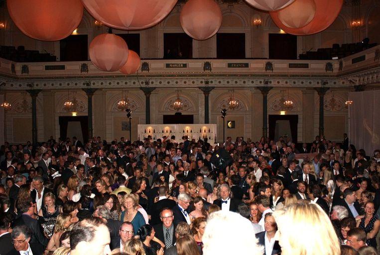 De Grote Zaal van het Concertgebouw loopt vol tijdens het feestje van Moet Hennessy. <br /> Beeld
