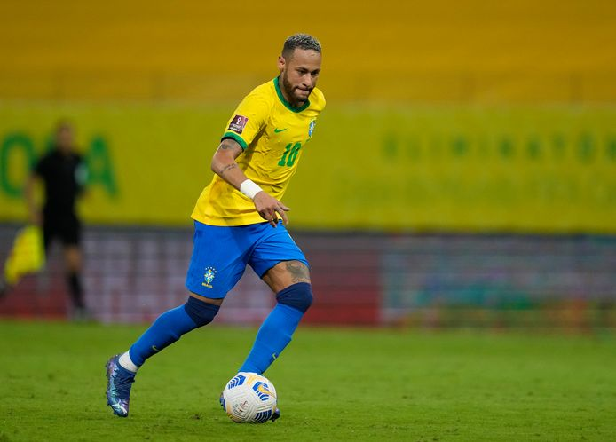 Neymar aan het werk met de nationale ploeg van Brazilië. Binnenkort deelt de superster de kleedkamer met Lierenaar Jaimy Schallenbergh.