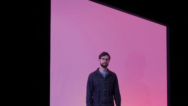 Matthijs Munnik gaat voor de synesthetische ervaring tijdens de Rijksakademie Open. Beeld Adriaan van der Ploeg