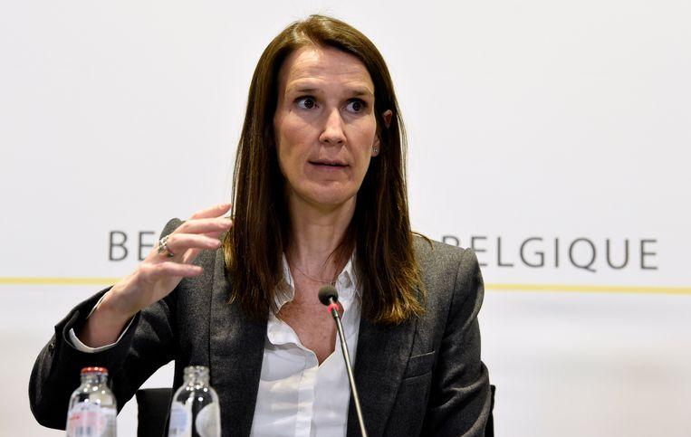 Premier Sophie Wilmès tijdens de persconferentie van de Nationale Veiligheidsraad. Beeld Photo News