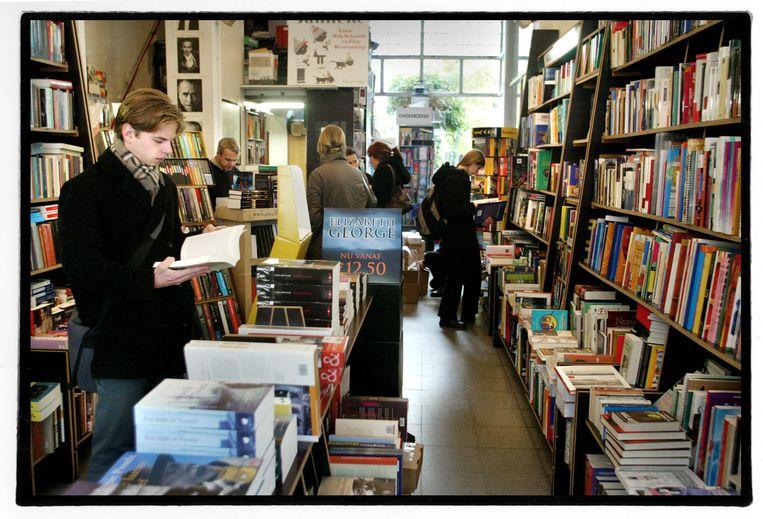 Boekhandel Walry in Gent. In België is Bookaroo, dat de onlinehandel naar de lokale boekwinkel wil brengen, nog niet beschikbaar. Beeld Tim Dirven