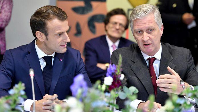 Emmanuel Macron et le roi Philippe au centre LaVallée à Molenbeek.
