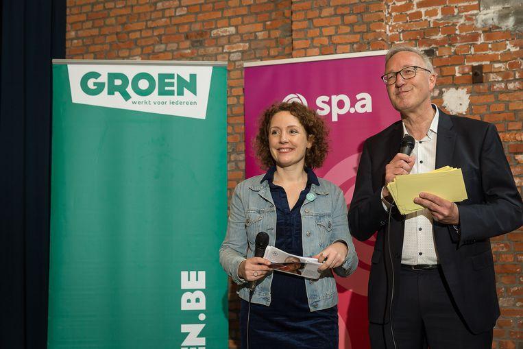 Elke Decruynaere en Rudy Coddens tijdens het voorstellen van hun lijst in mei. Het kartel van sp.a en Groen in Gent wil na de verkiezingen niet in een coalitie stappen met de extreemlinkse PVDA. Dat heeft lijsttrekker Rudy Coddens vandaag gezegd.