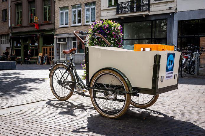 De hoogbejaarde man reed in het centrum van Roeselare een vrouw aan op een bakfiets, waarin twee kinderen zaten (niet de fiets op deze archieffoto).