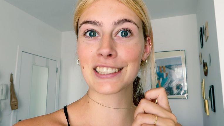 Lise-Lore is een van de vloggers in de serie 'Op kot'. Beeld VRT