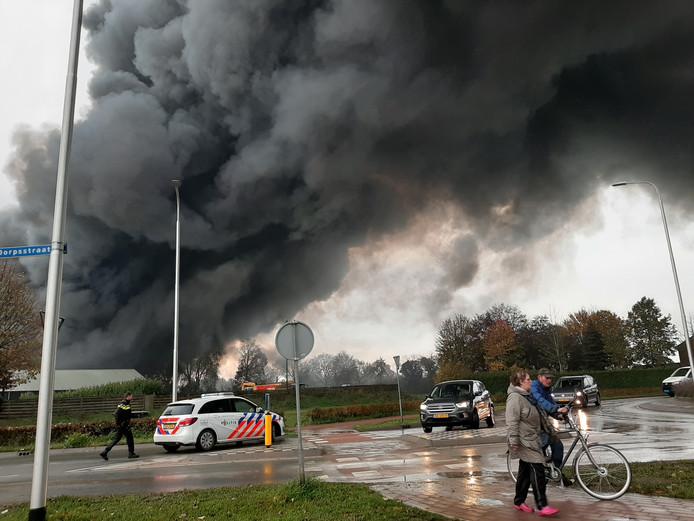 Brand in een grote caravanstalling in Oeffelt.