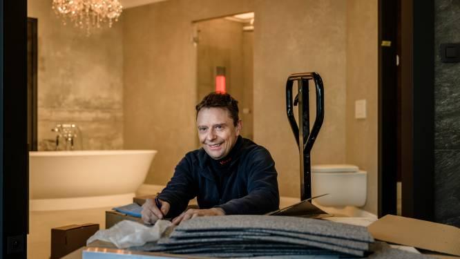 """Zaakvoerder Veta bouwt eigenhandig volledige showroom voor badkamers: """"Jaar lang helemaal in uitgeleefd"""""""