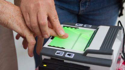 """Onderzoek vernietigend voor vingerafdrukken op identiteitskaart: """"Onnodig en gevaarlijk"""""""